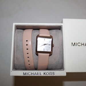 MICHAEL KORS DREW WATCH DOUBLE WRAP PINK LEATHER